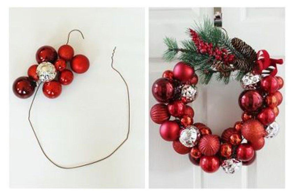 Coroa de natal com bolas e arame