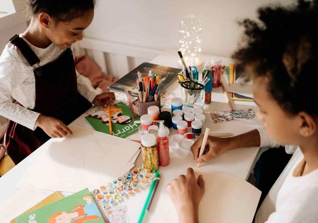 7 trabalhos manuais DIY para fazer em família title