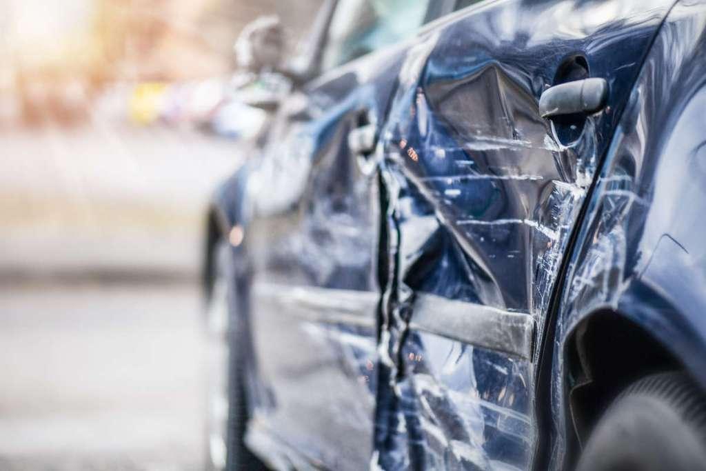 Comprar carro salvado: bom ou mau negócio? title