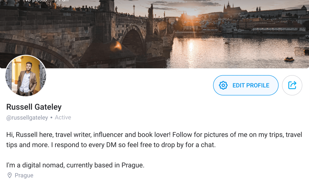 OnlyFans bio and cover photo example