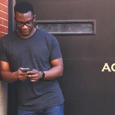 ocê estará fidelizando seu cliente utilizando a sua própria marca. Tem a possibilidade de impacta-lo utilizando seu próprio canal de vendas comunicação.2) No canal digital do seu restaurante, seus concorrentes não estão por lá.Maior receita. Sem taxas por pedido.Independência para criar e gerenciar as suas próprias campanhas de marketing e promoções.