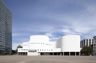 Düsseldorfer Schauspielhaus / Foto: ullstein bild, Thomas Robbin