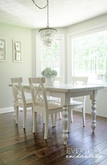 Transitional Country Dining Table Leg