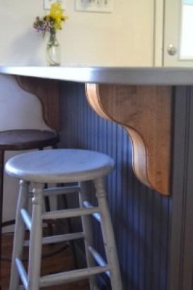 Boston Bar Bracket w/ Beaded Edge