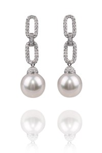 Oster Pearls 10-11mm South Sea Pearl Oval Link Earrings | Oster Jewelers