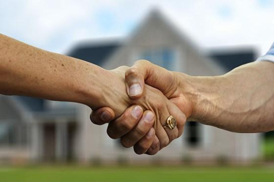 Contrato de alquiler: cómo se reparten los gastos