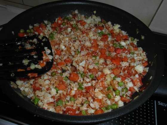 Masala květáková rýže na pánvi
