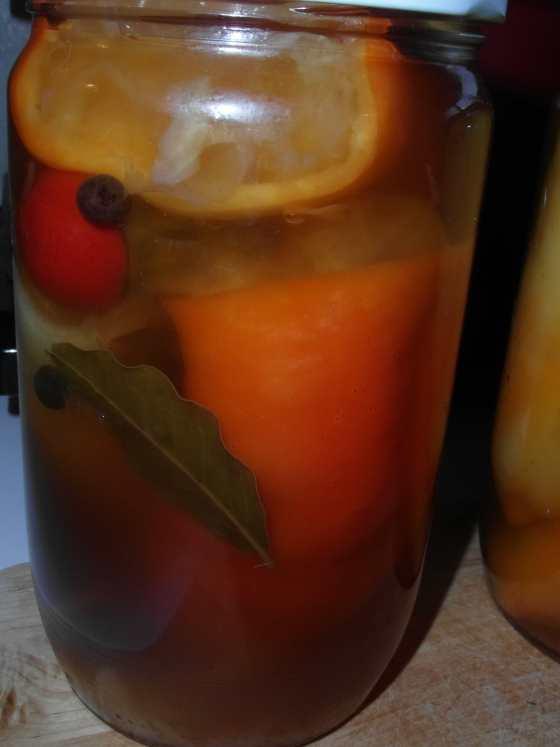 Papriky plněné kysaným zelím