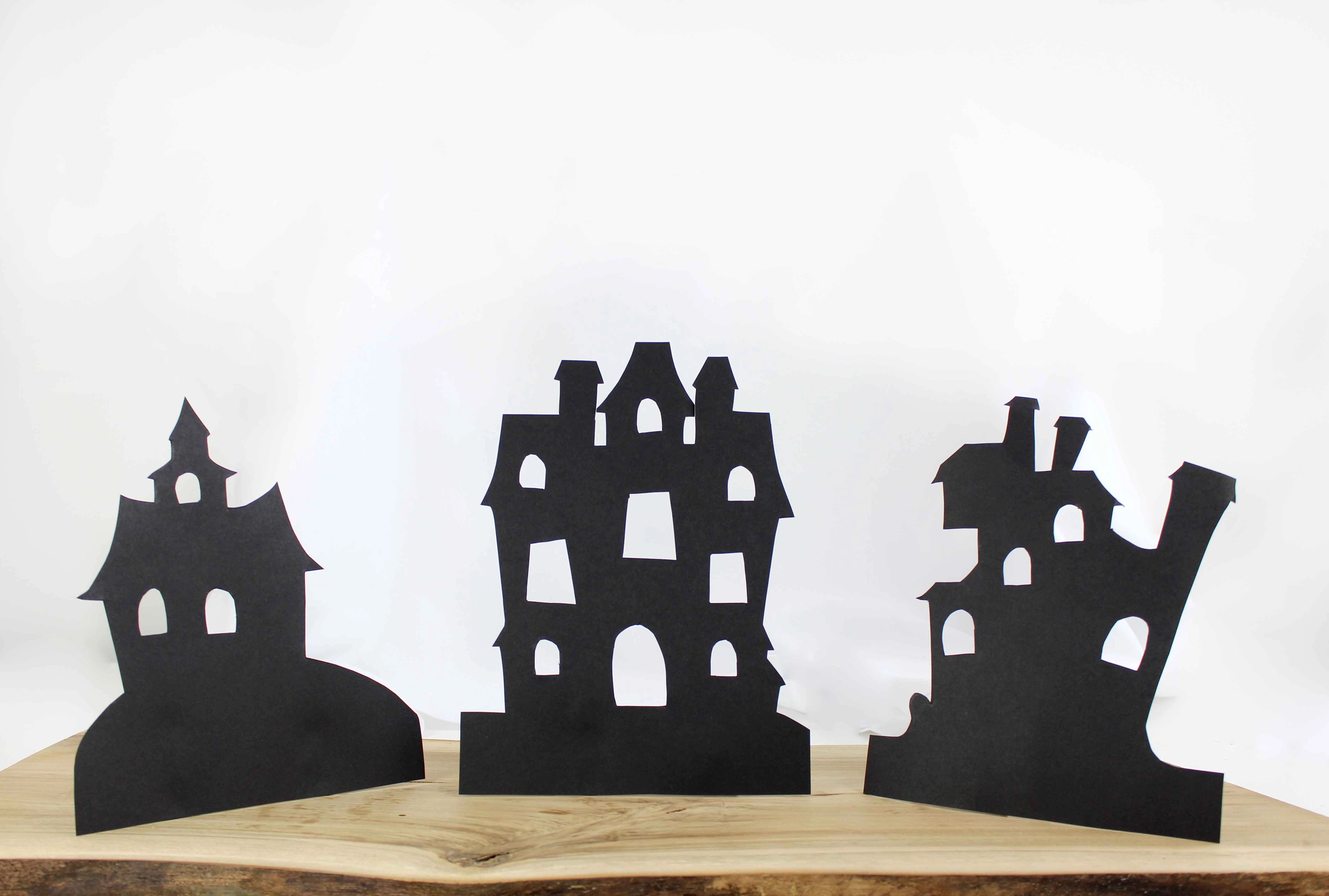 Halloween Window Decorations To Spook Your Guests