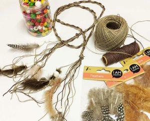 Doplňky na výzdobu kostýmu a indiánské čelenky