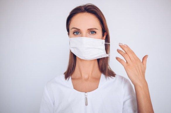 With the great debate on wearing masks to prevent the spread of COVID-19, it is important to look at what the scientific evidence supports. Here it is.