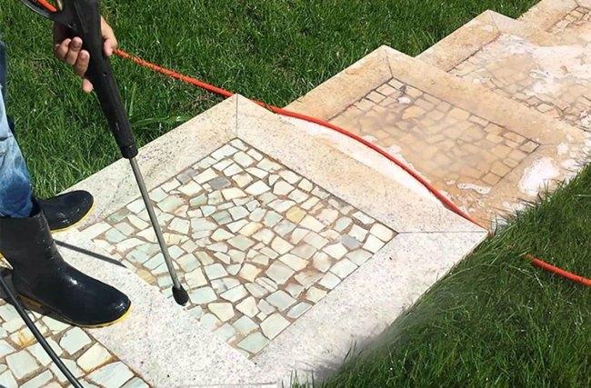 Como limpar pedra portuguesa sem gastar muito