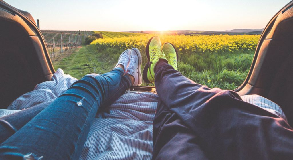 Meaningful Love Coupon Ideas: Watch the Sunrise