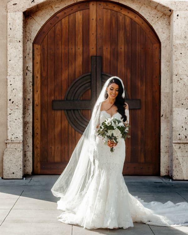 wedding veil for petite brides