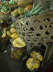 vergammelte Jackfruit (Nangka) auf dem Markt