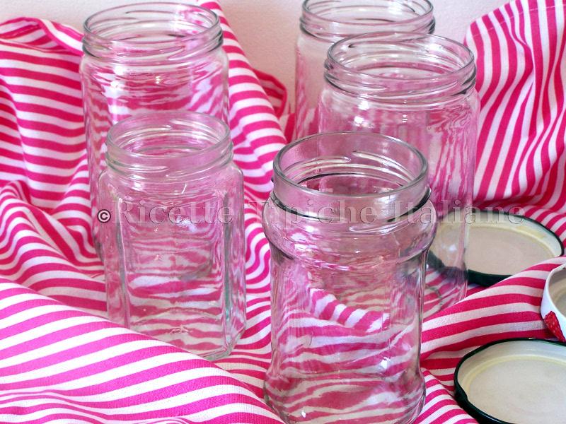 Come sterilizzare i vasetti di vetro