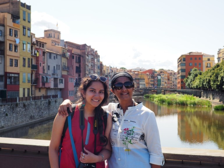 Ramakrishnan's wife and daughter at Girona canal