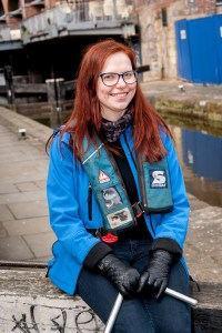 © Mike Poloway/+44(0)1618503338 / mike@poloway.com. Canal and River Trust. Rochdale Canal, Manchester City Centre, around Lock 89. 17 April 2016. Volunteer, Maarja Kaaristo.