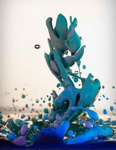 Dropping by Alberto Seveso. Image from Visual News.
