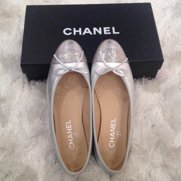 013015_luxury on poshmark_chanel flats
