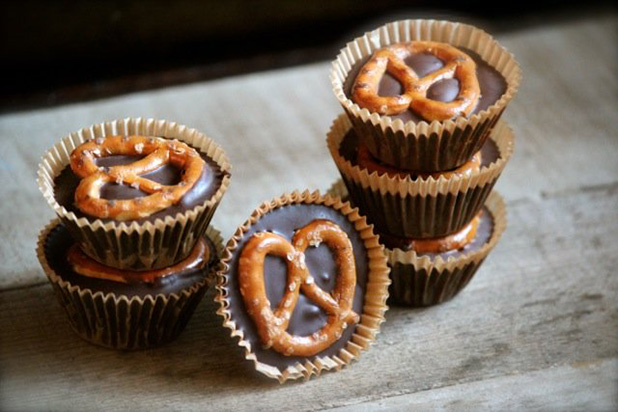Bite-size-recipes---Mini-pretzel-peanut-butter-cups