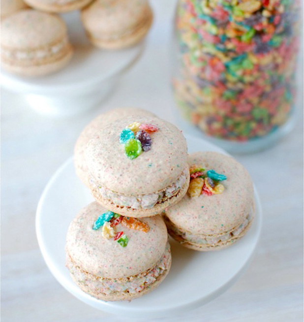 CerealRecipes-FruityPebbleMacarons