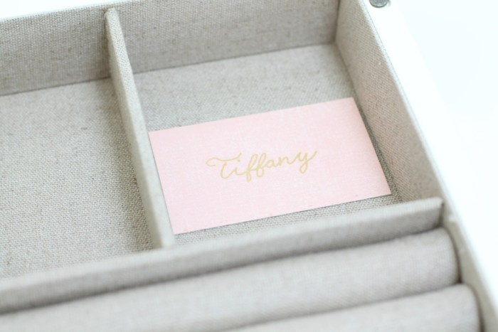 How to Make A Personalized Wedding Gift