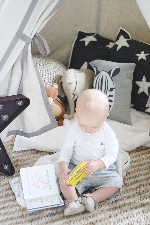 DrsCloset-BookNook4