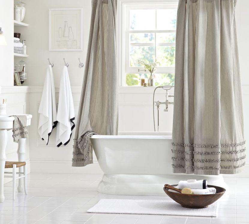 Clean_White_Bathroom