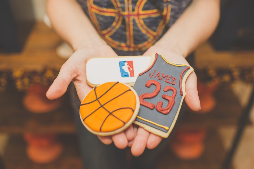 Cleveland Cavaliers and Cake-57