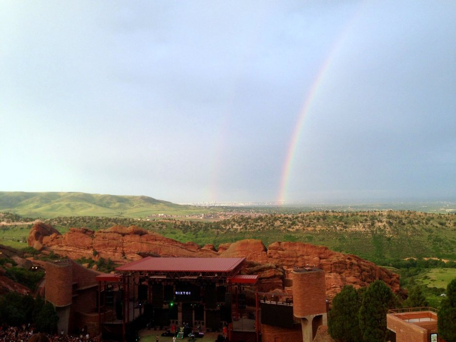 rainbow at red rocks