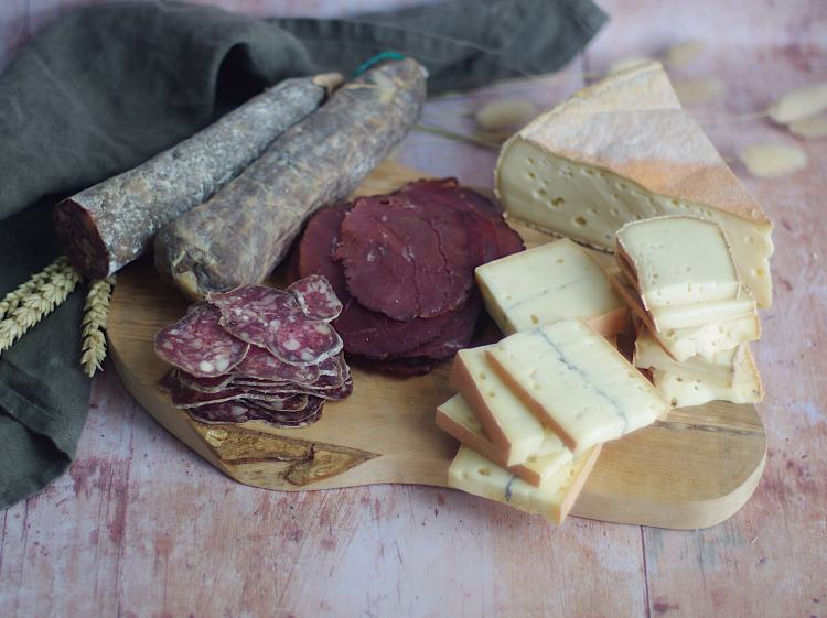 plateau pique nique pourdebon charcuterie fromages