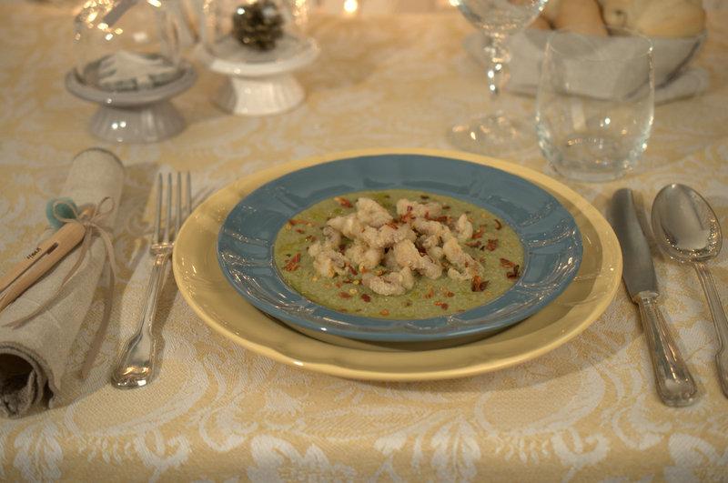 Polipetti su crema di fave e cicoria