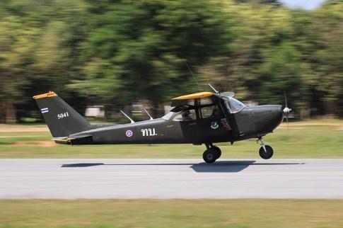 aeroplane-1839172_640.jpg