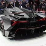 Lamborghini Veneno vs La Ferrari – Are we seeing some new creativity after the recession?