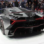 Lamborghini Veneno vs La Ferrari – Are we seeing some new creativity after the recession?