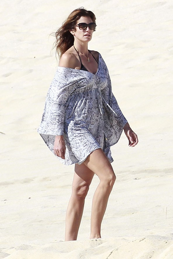 Cindy Crawford on the beach in Cabos