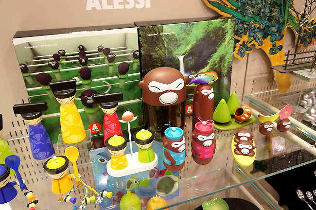 這一組不便宜,一隻要價好幾千元....會照這個的原因是,店內的胡椒罐就是用這組裝填的啊!!