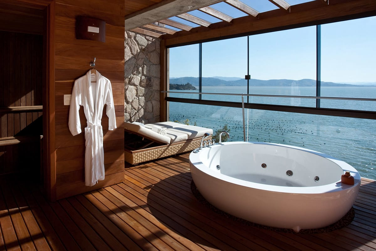 The Best Hotel Bathtub Views