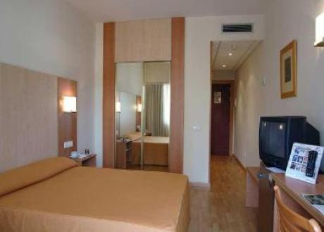 Hotel Confortel Romareda, Zaragoza