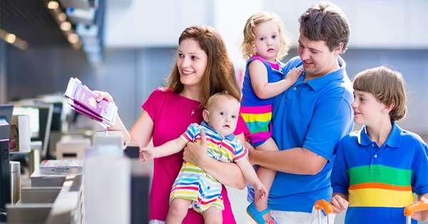 familia-aeropuerto-quehoteles