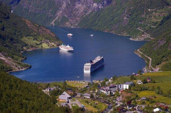Verano en los Fiordos Noruegos