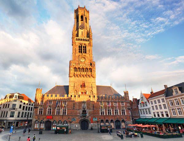Torre Hallen en Brujas