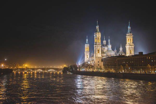 Basílica del Pilar de noche