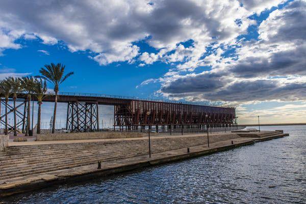 Cable inglés en el puerto de Almería