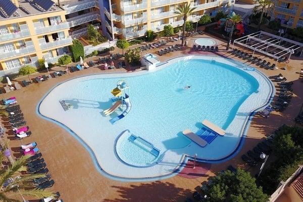 Apartamentos Terralta- Hoteles con toboganes en Benidorm