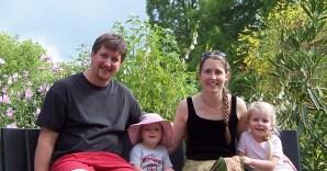 Familienfoto: Angelo, Hannah-Elaine, Cara, Lillian