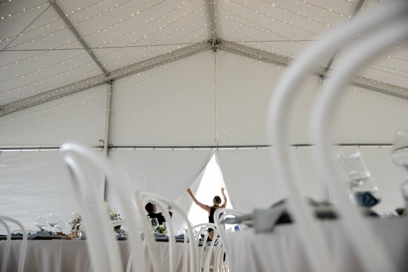ivy-and-bleu-open-the-marquee-reception-elements-of-byron-bay-quincenmulberry
