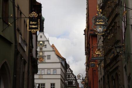 """""""Alte Schilder"""" in der Unteren Schmiedgasse"""
