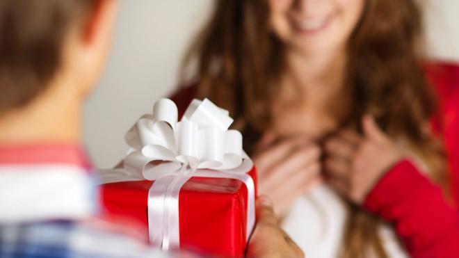 Photo of 9 dicas para não errar na hora de presentear a pessoa amada